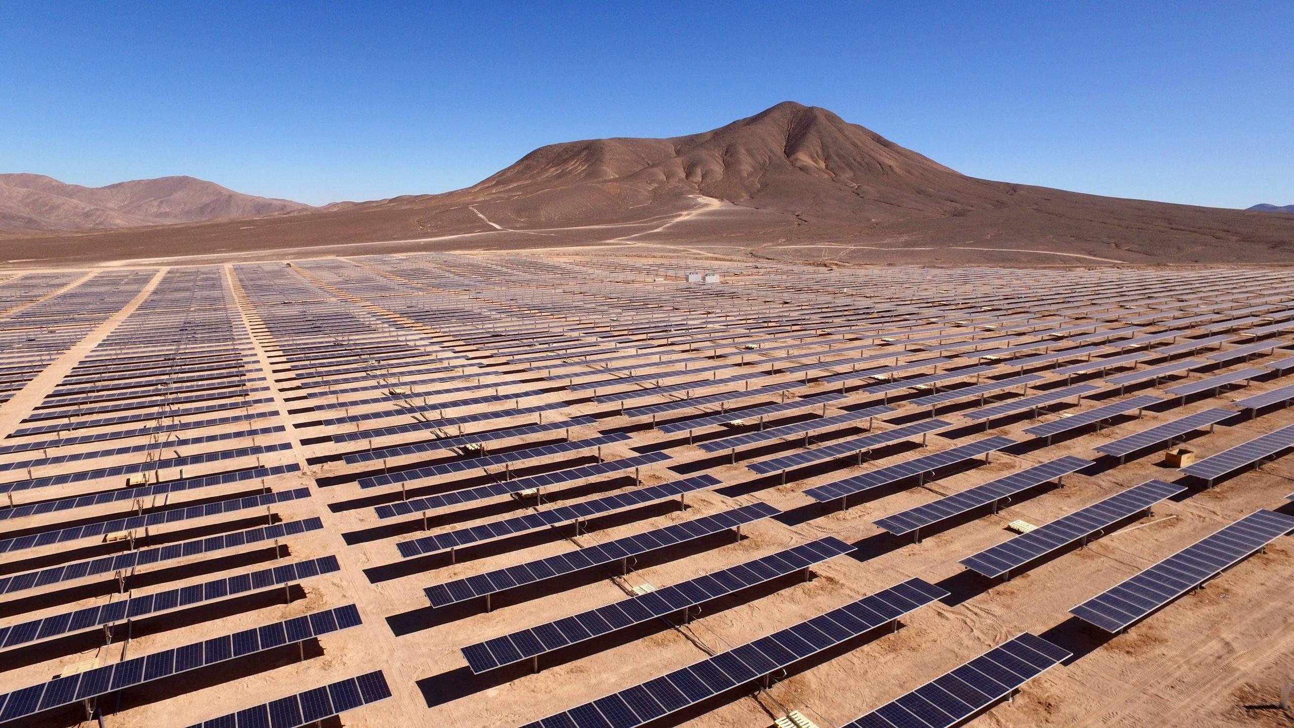 Transmisión de energía: La llave para descarbonizar Chile
